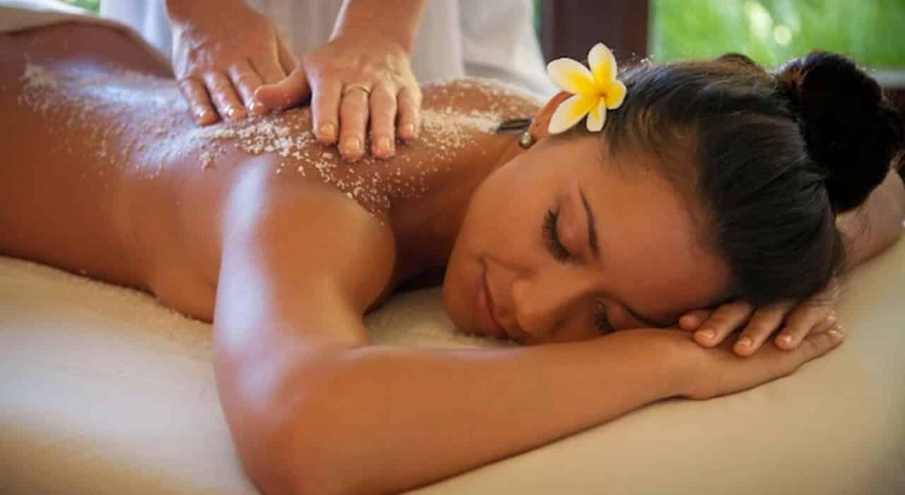 Full Body Scrub Massage
